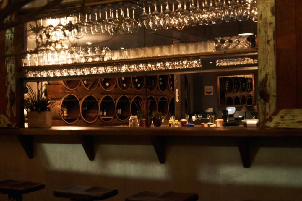 Hollywood Restaurant w Patios – Wynn Locations | Film Locations ...